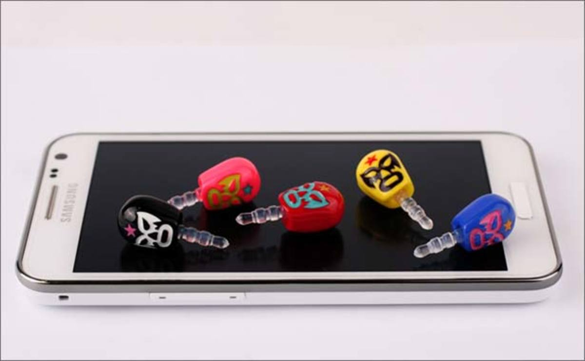 Crap We Want: Luchador Earphone Jack Plug For Your Smartphone