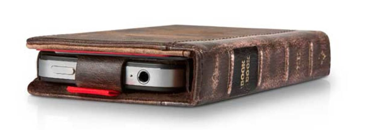 twelvesouth_bookbookiphone_3qtrfolded_hires