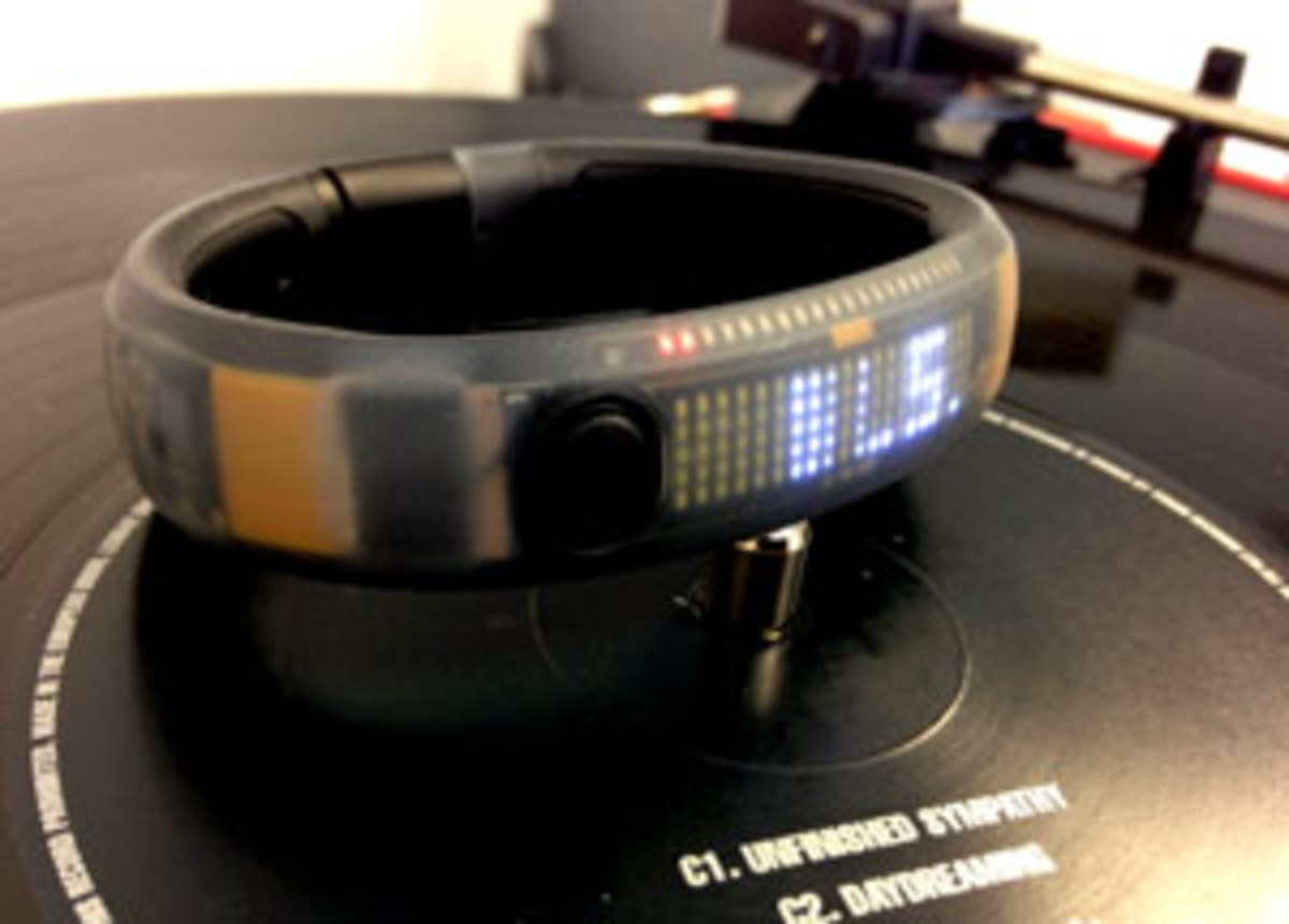 "Xmas Want: Nike+ FuelBand ""Counts"""