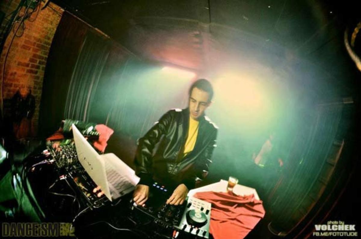 "Free Download: Valentino Khan ""The Dip"""