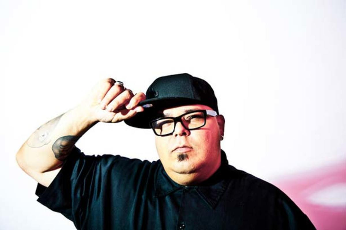 "Twitt Talk: DJ Sneak Attacks Armand Van Helden—""The shit he dropped was straight childish."""