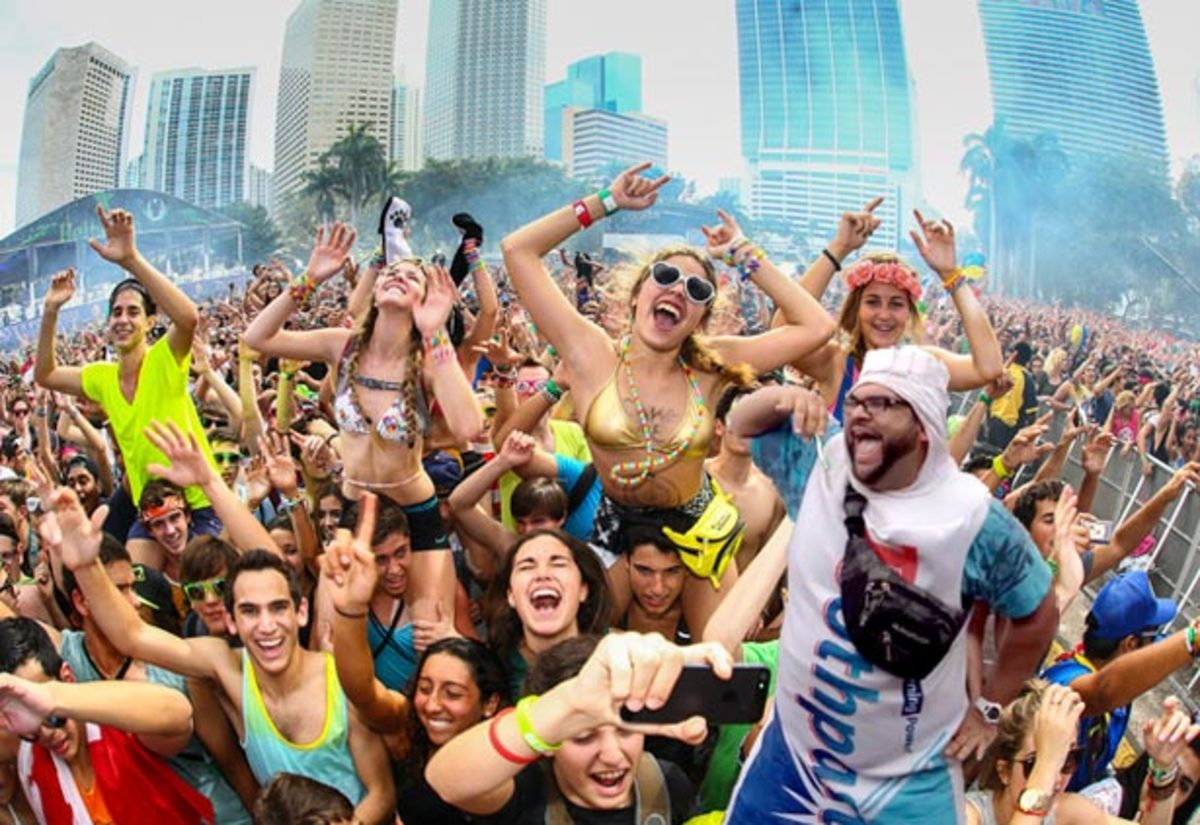 Watch: Toothpaste Man at Ultra Music Festival