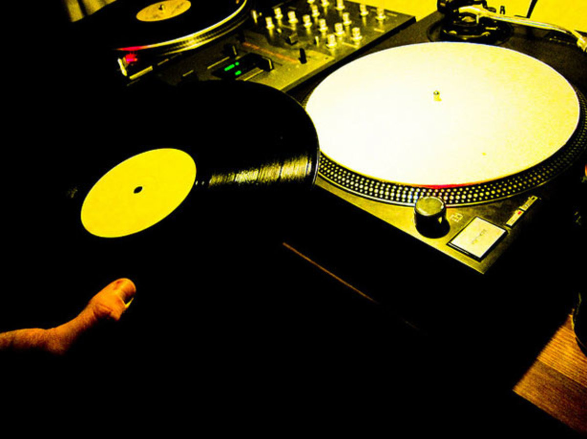 Watch: The Worst DJ Ever. This Is How You…Shouldn't Do It