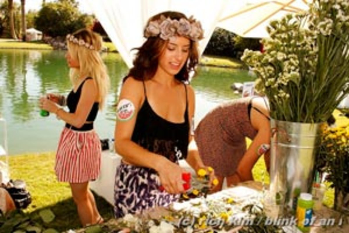 Team Fauxchella's Part Two: Inside the Outside of Coachella 2013—Sandstorms, Booze and Carnivals...OH MY!