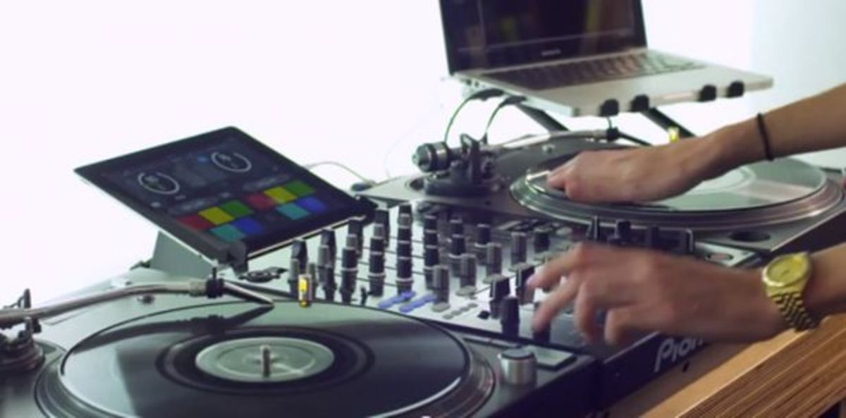 EDM News: Serato Releases Remote App for Scratch Live