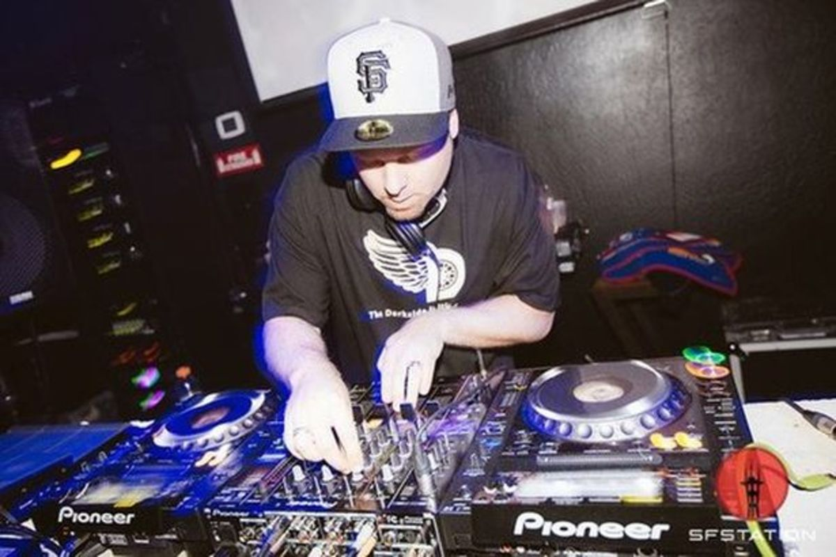 EDM News: DJ Shadow Announces North American Tour; Speaks His Mind On Digital DJing And Software In EDM Culture