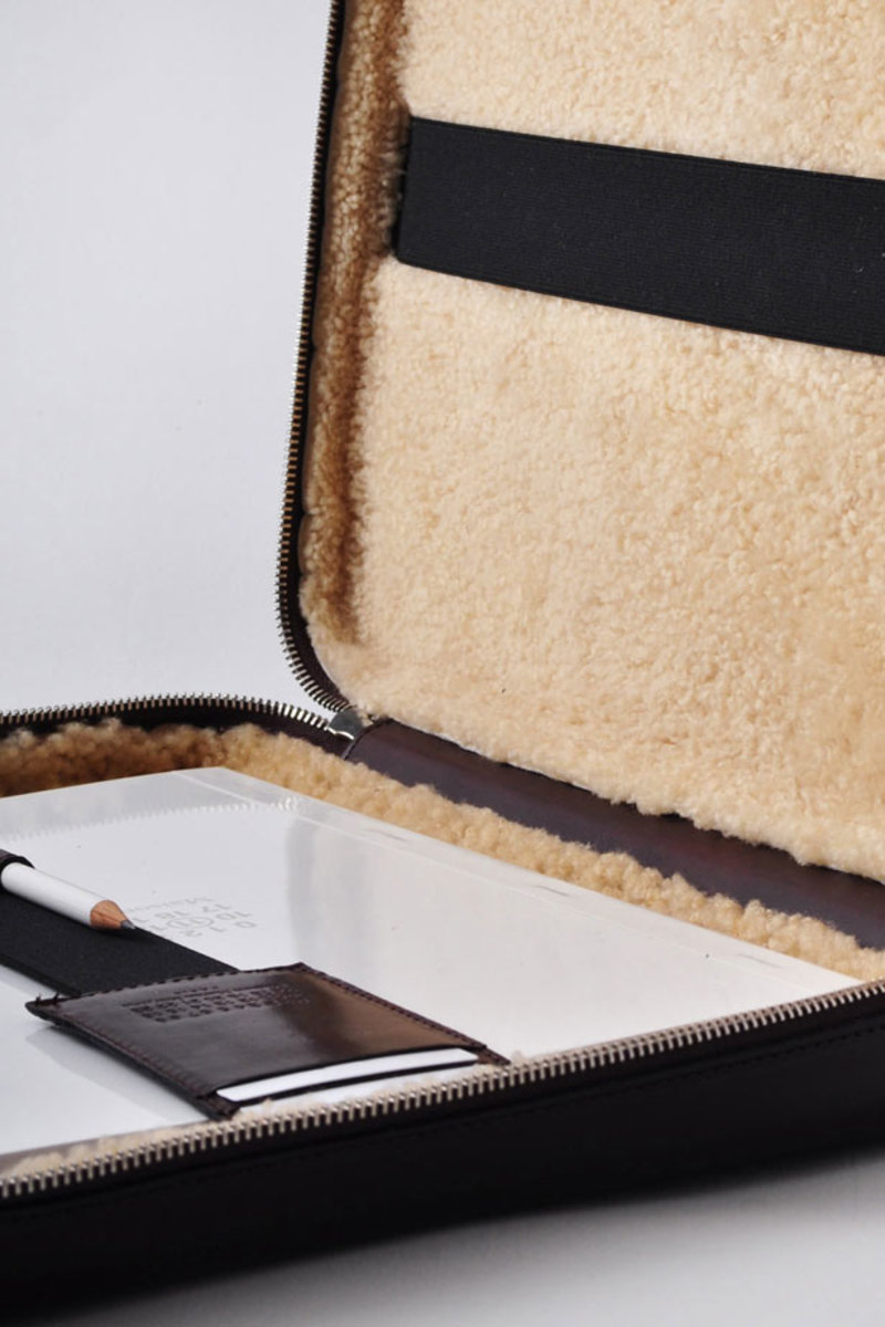pv_aw11_Maison_Martin_Margiela_11_Leather_Laptop_Sleeve02