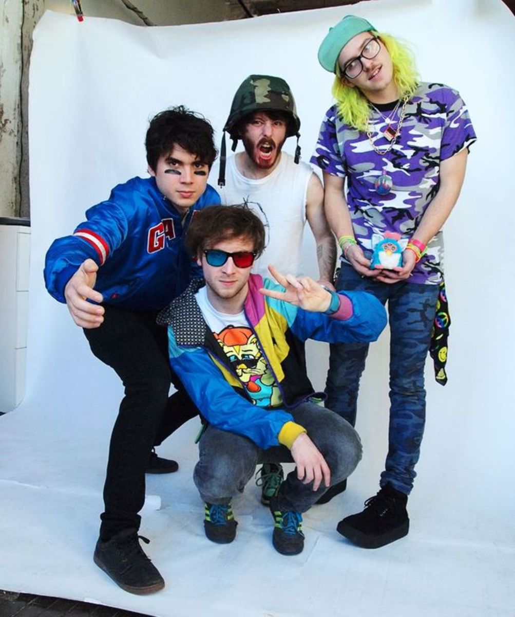 "EDM Download: Anamanaguchi's ""Endless Fantasy""; Debut Album Planned In September"