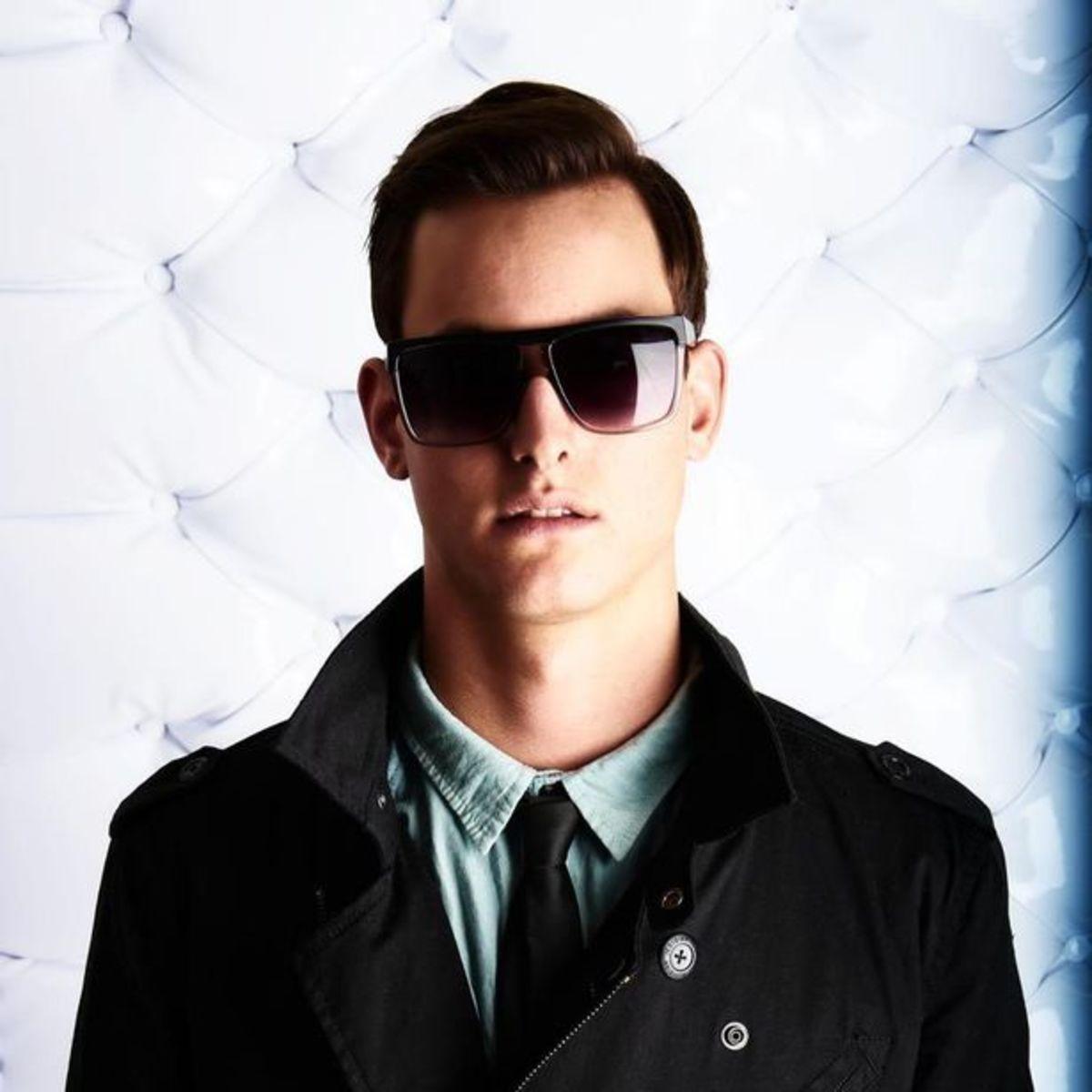 "EDM Download: The Clash Vs TJR's ""What's Up Suckas!?"" (MAKJ Mashup)"