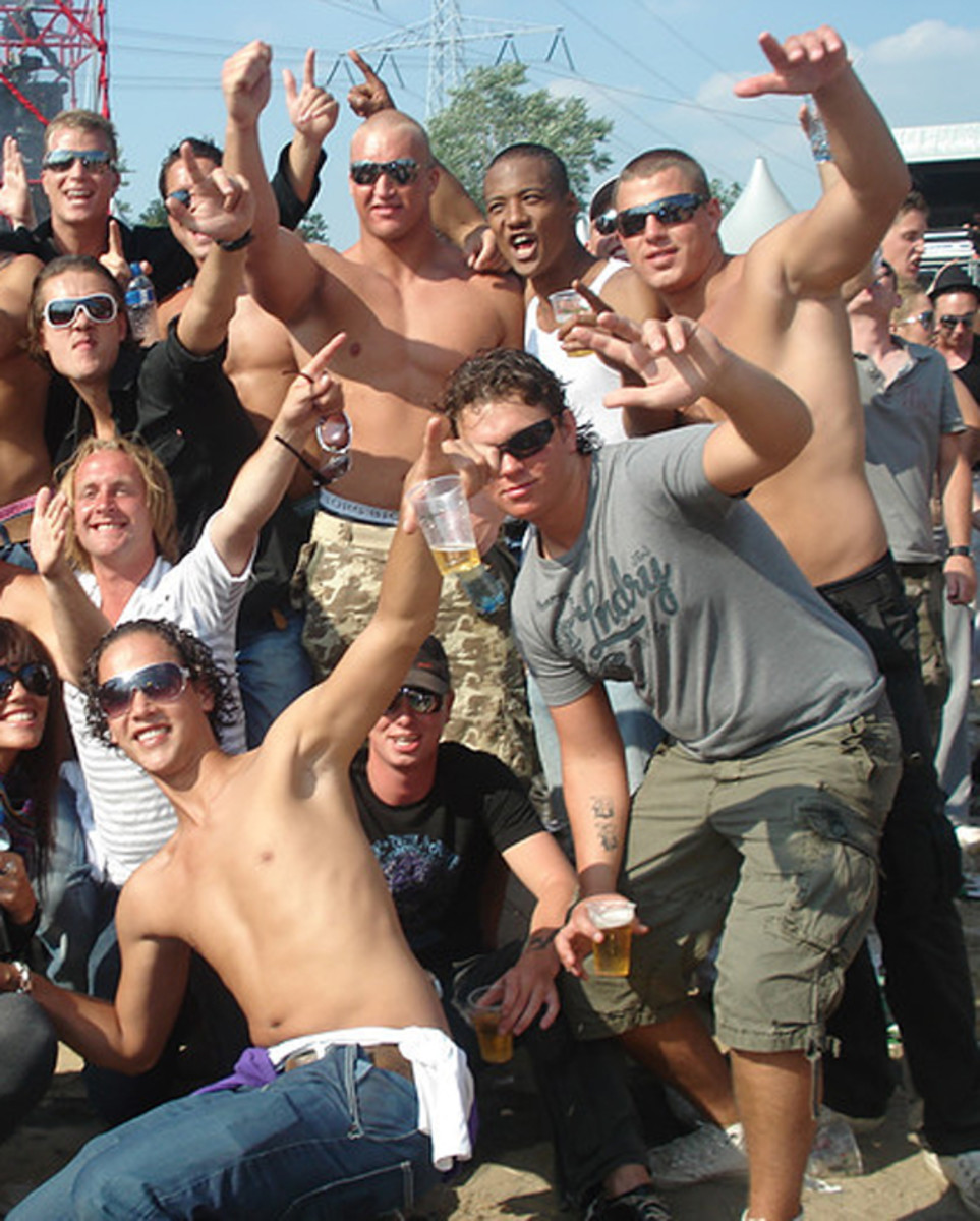 EDM Culture: 11 People You Don't Want To Meet At A Rave