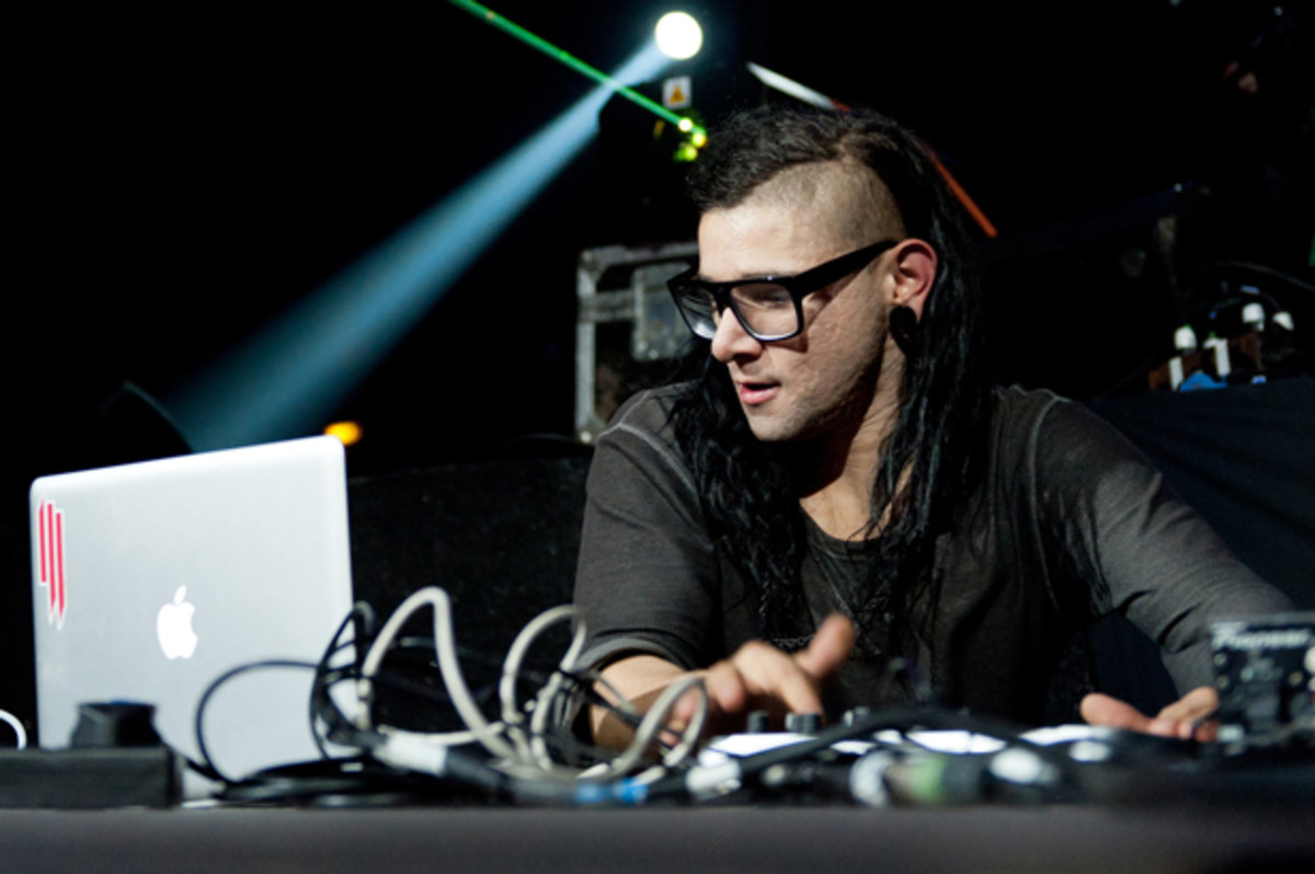 "EDM News: Skrillex Releases New Electronic Music ""Try It Out"" Feat. Alvin Risk"