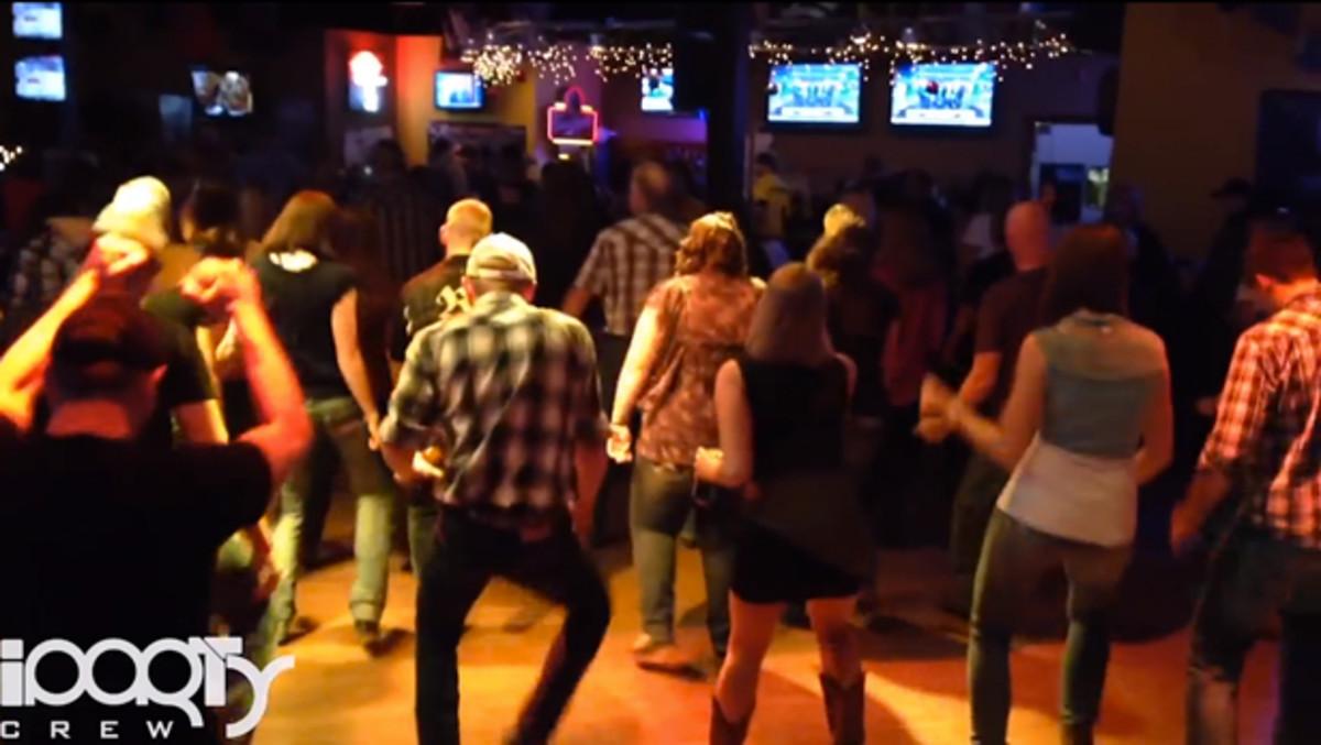 "Watch Iowa Country Folk Line Dance To Martin Garrix's ""Animals"" - EDM Culture"
