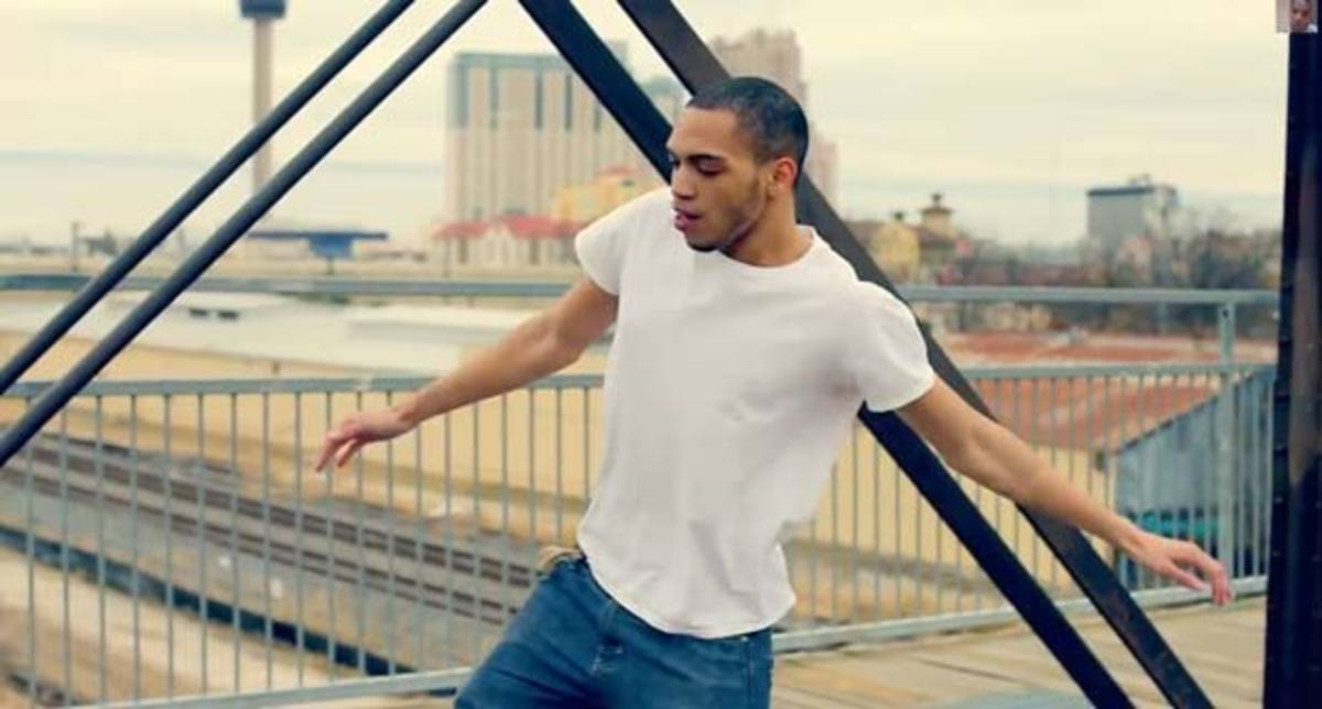 Is IceJJFish The New Voice Of Glitchy R&B Rooted EDM?