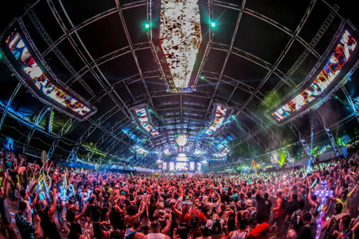 1 Dead, 5 Hospitalized In Las Vegas At EDC 2014