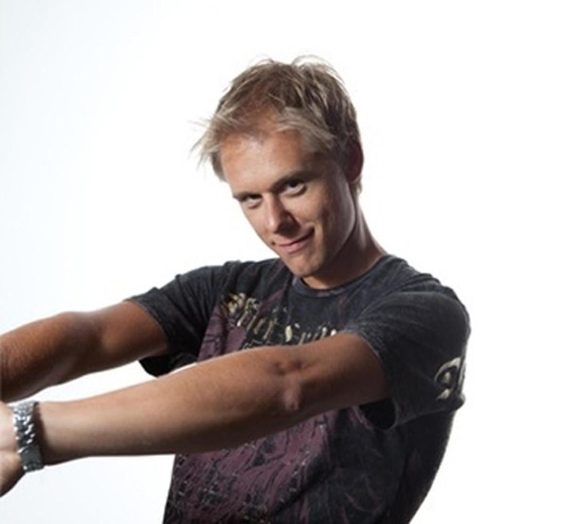 deadmau5 Vs. Armin van Buuren: Our Editors Go To WAR