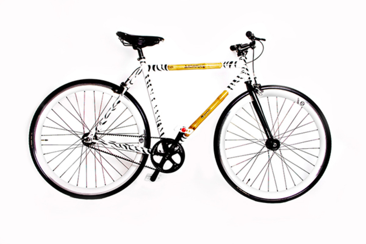 "Style: Panda X Akomplice ""The One"" Fixed Gear Bike"