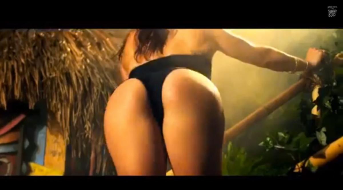 "Watch: Nicki Minaj ""Anaconda"" (Fart Remix)"