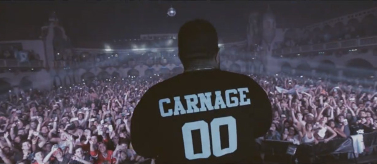 Watch Carnage Shoot $10,000 Out Of A Confetti Cannon