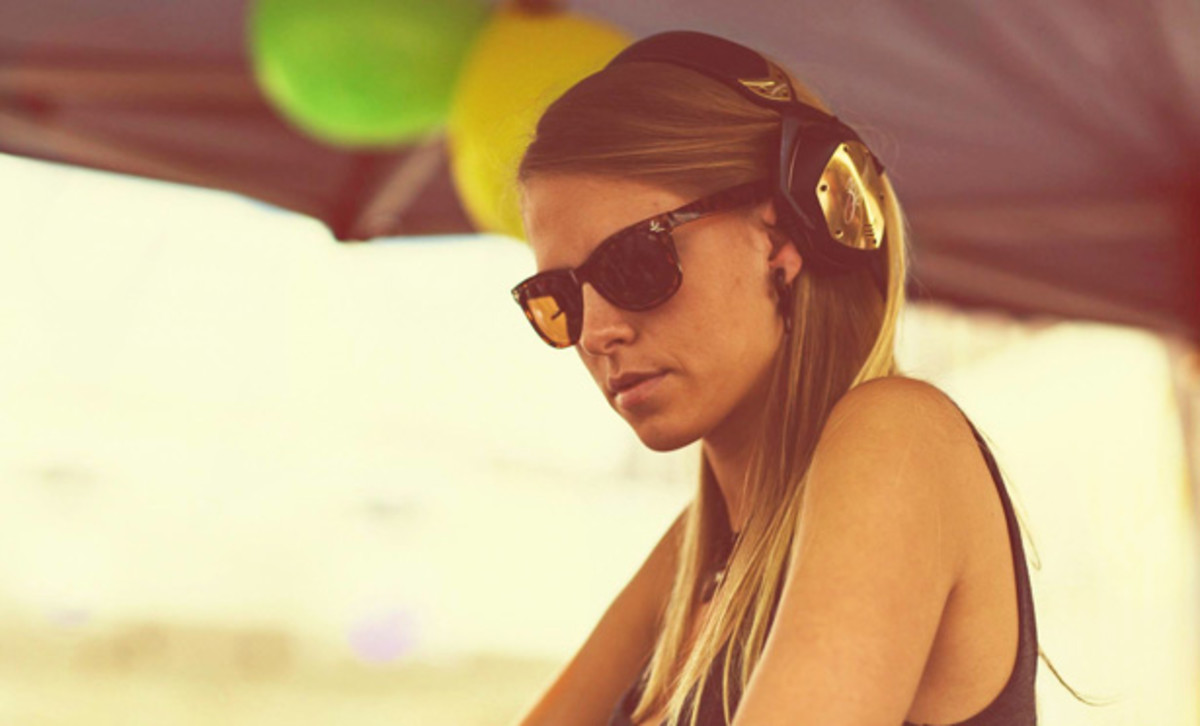 Far and Away with Nora En Pure [Interview]