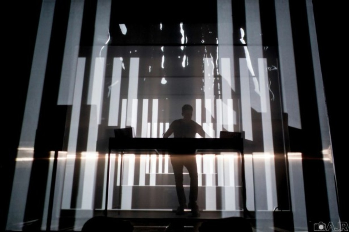 "New Dubfire Audiovisual Tour ""Unlike Anything"""