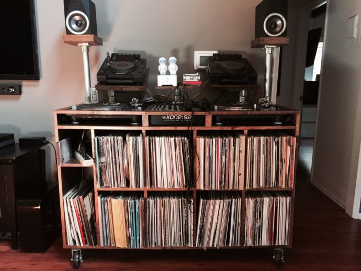 How To Make A Stellar DJ Setup In A Small Space