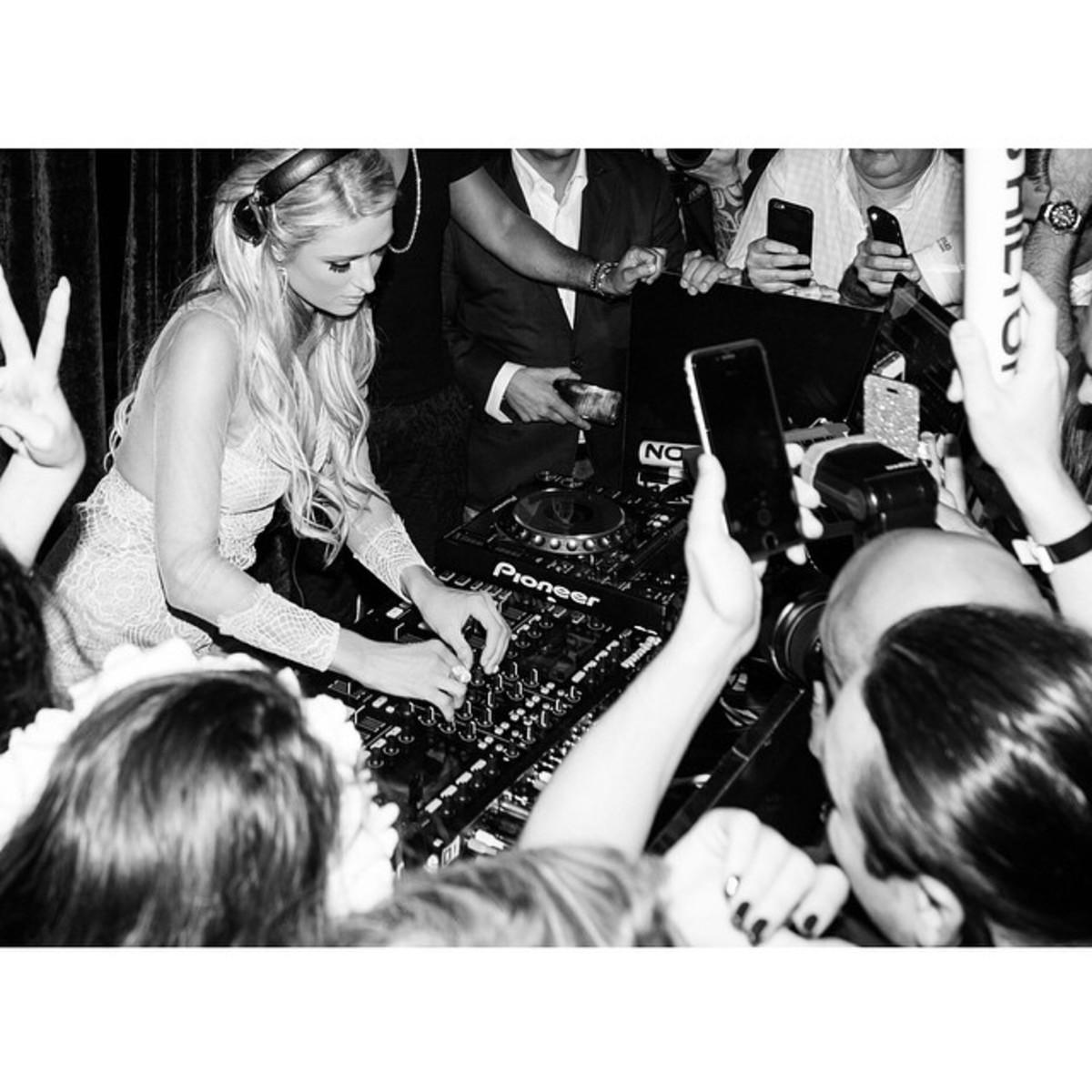 Paris Hilton Seen In Miami With Bags Of Money, DJs