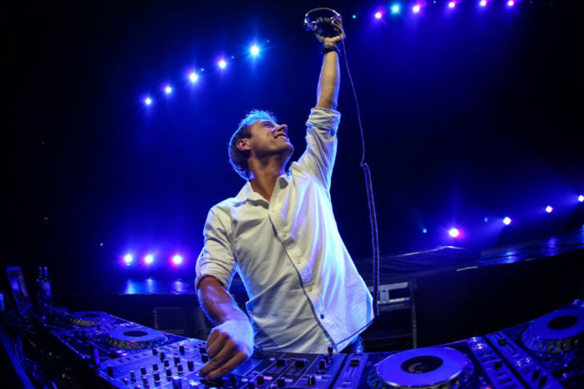 Armin van Burren Played The Preakness: One Horse Wasn't Feeling It