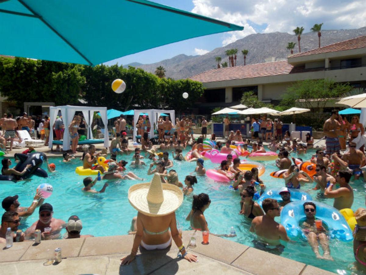 Wet & Wild at Splash House 2015