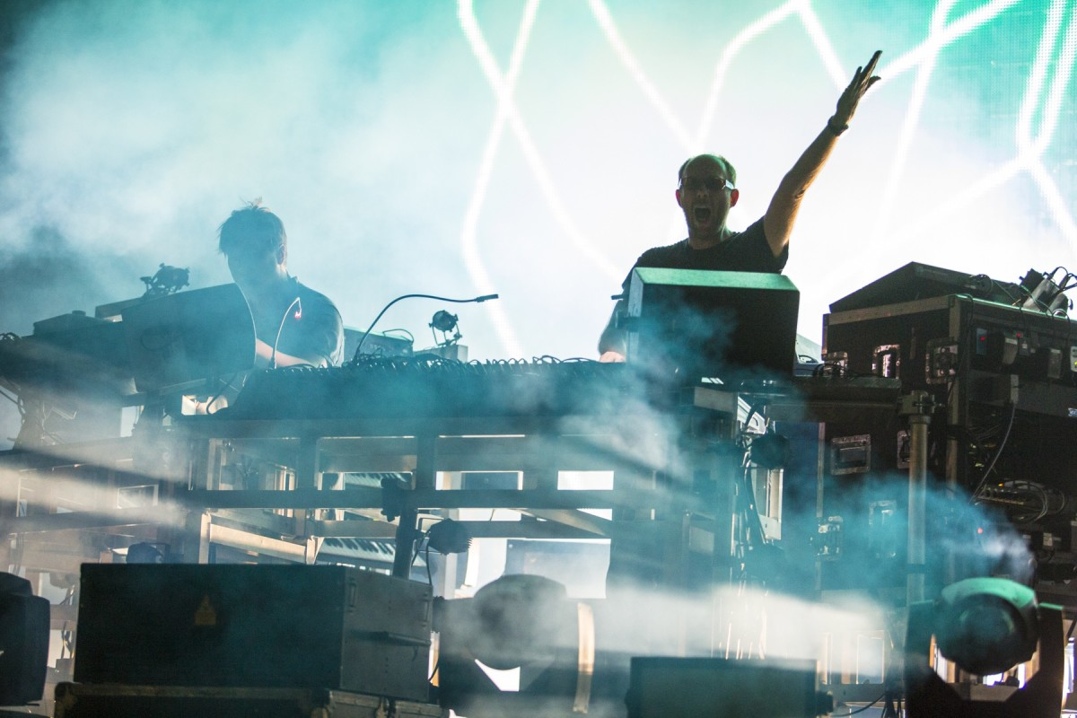 The Chemical Brothers at HARD Summer 2015.