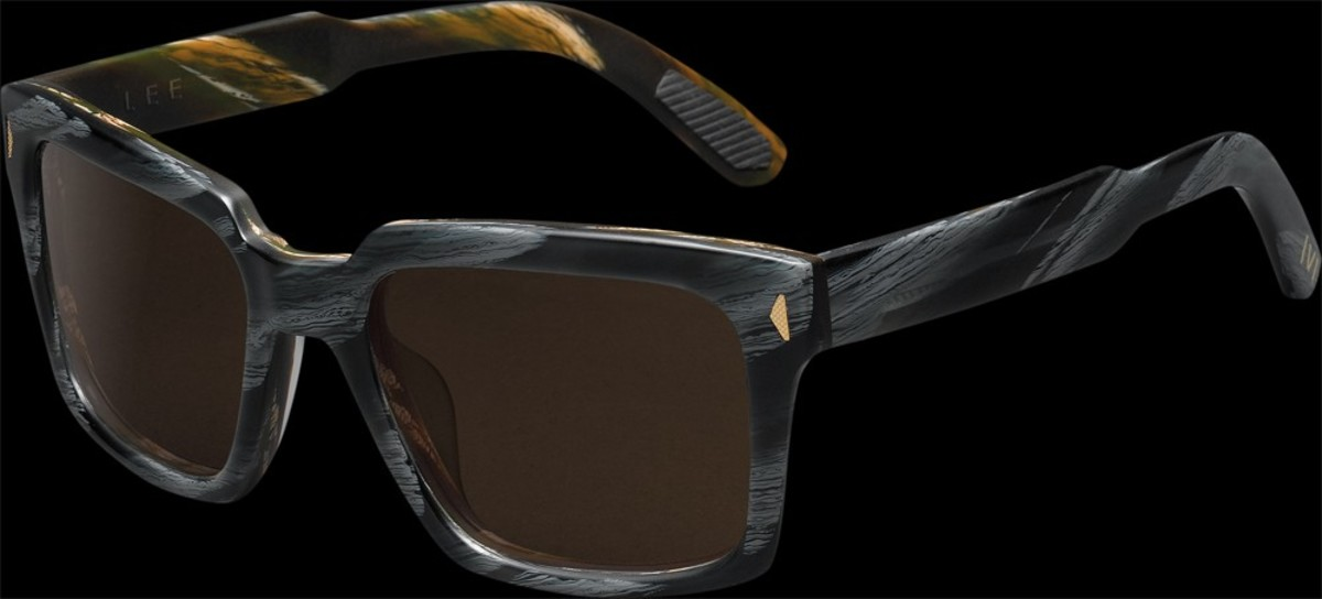 The double horn acetate is stunning. Grey and black on the outside, amber and brown on the inside.
