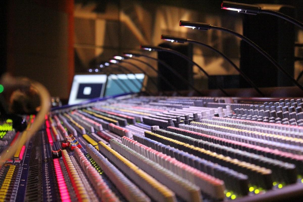 soundboard-785798_1280