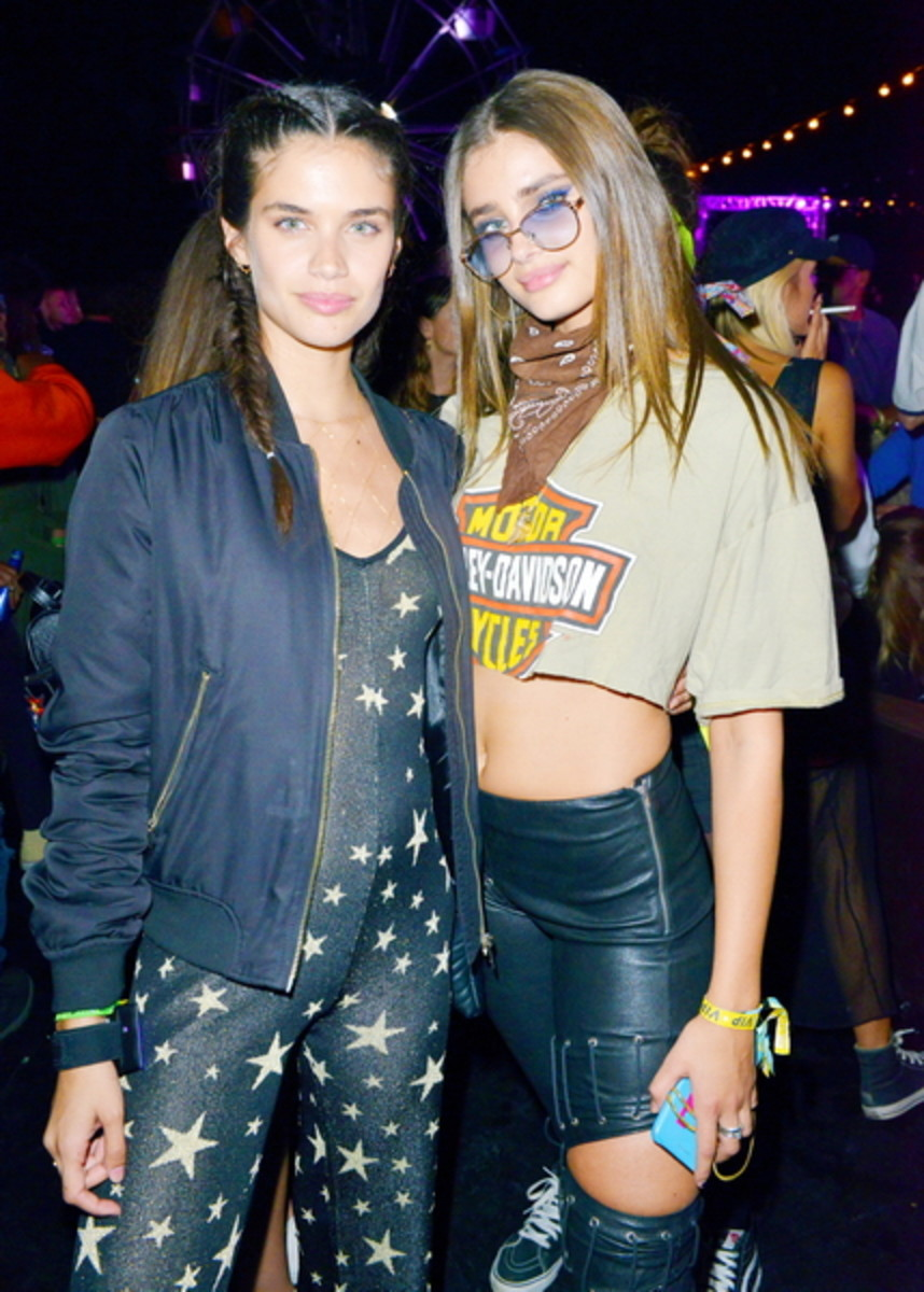 Victoria's Secrets Angels Sara Sampaio and Taylor Hill