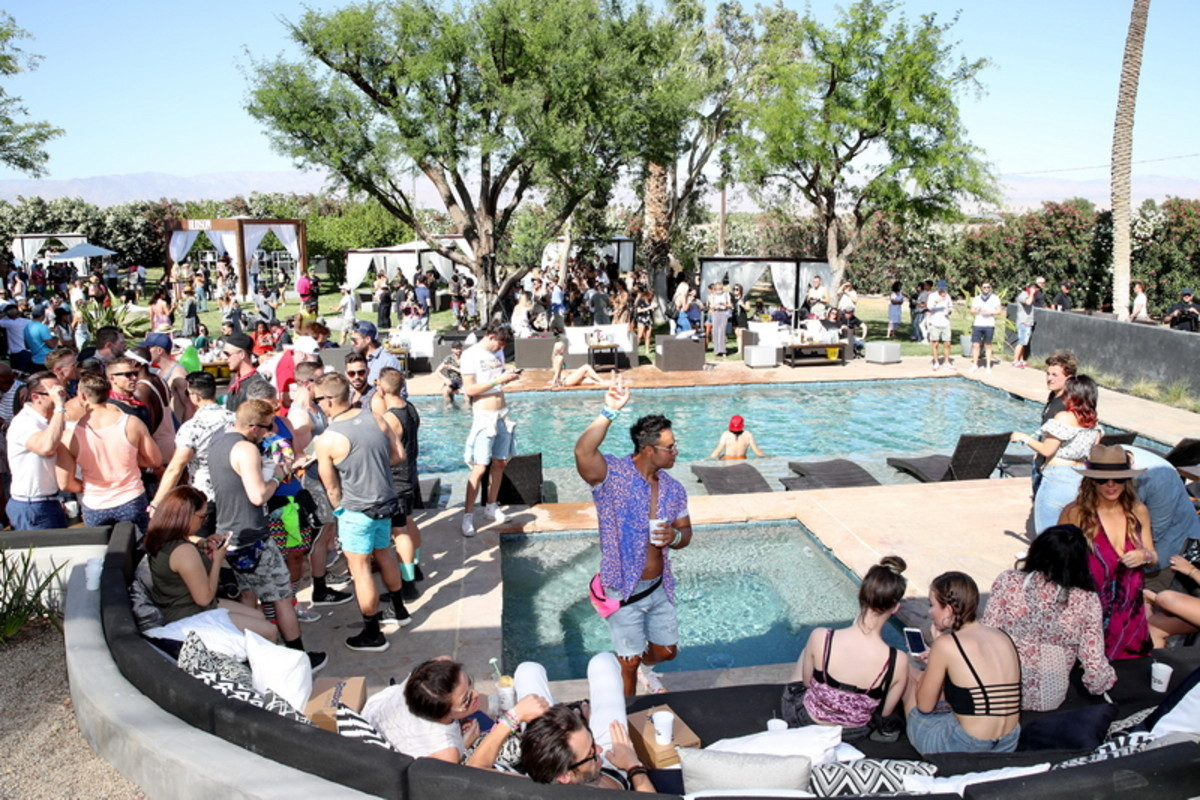 The Hyde Away packed to the gills poolside as Joe Jonas & Giorgio Moroder take over the decks.