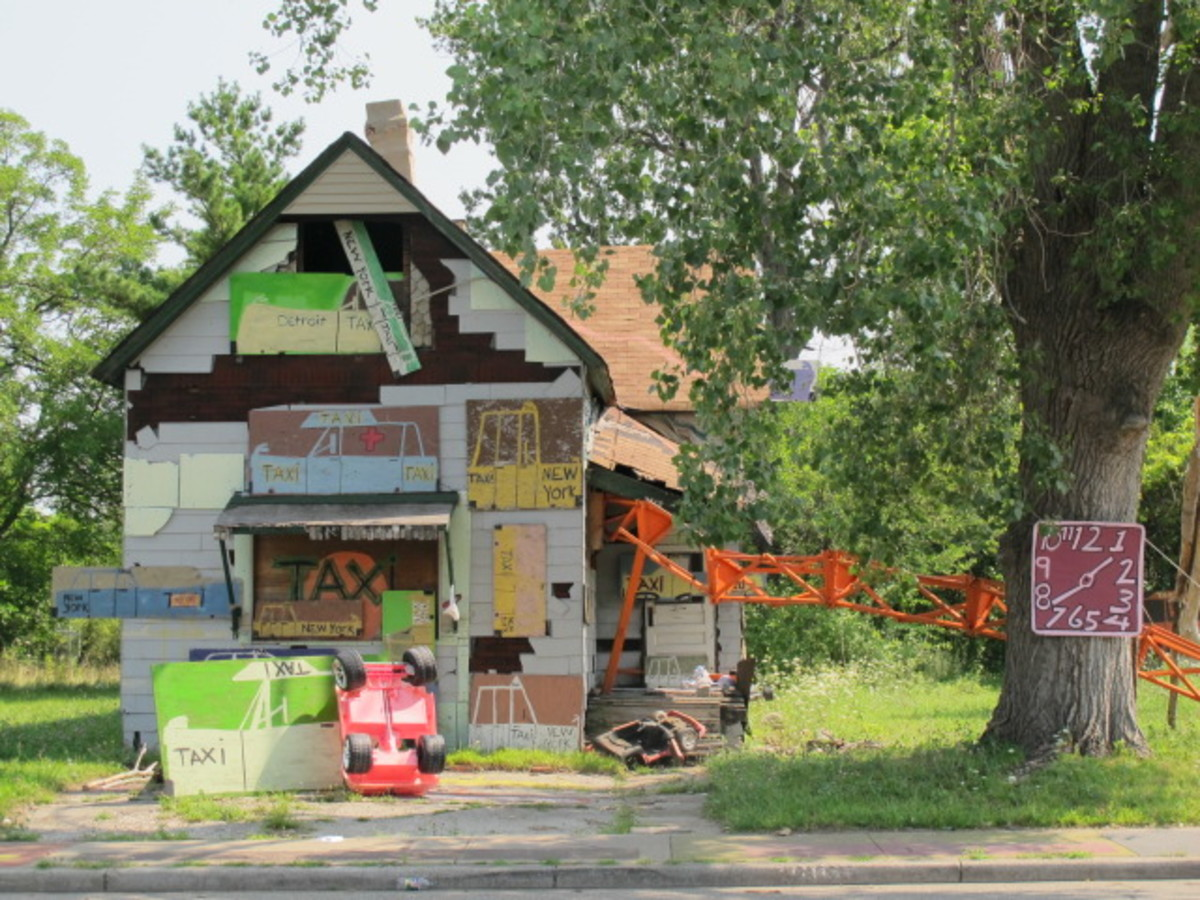 """""""The Taxi House"""" - Heidelberg Project"""