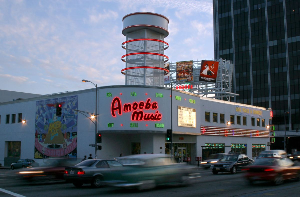 u3496-hollywood-exterior.jpg-1.jpg