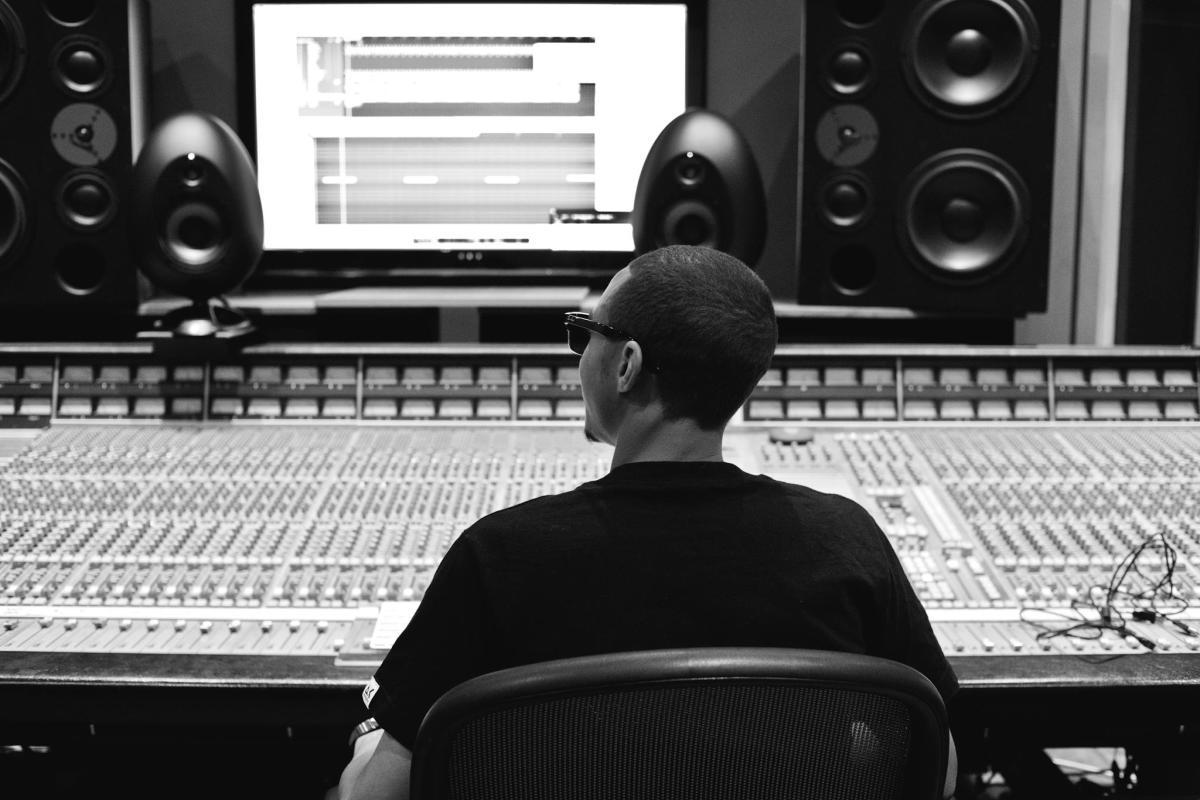 Swidle in Studio.