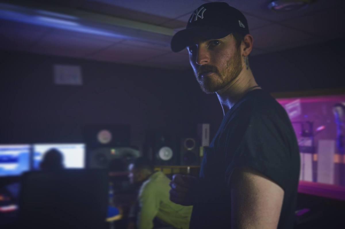 Thomas Mellor in Studio.