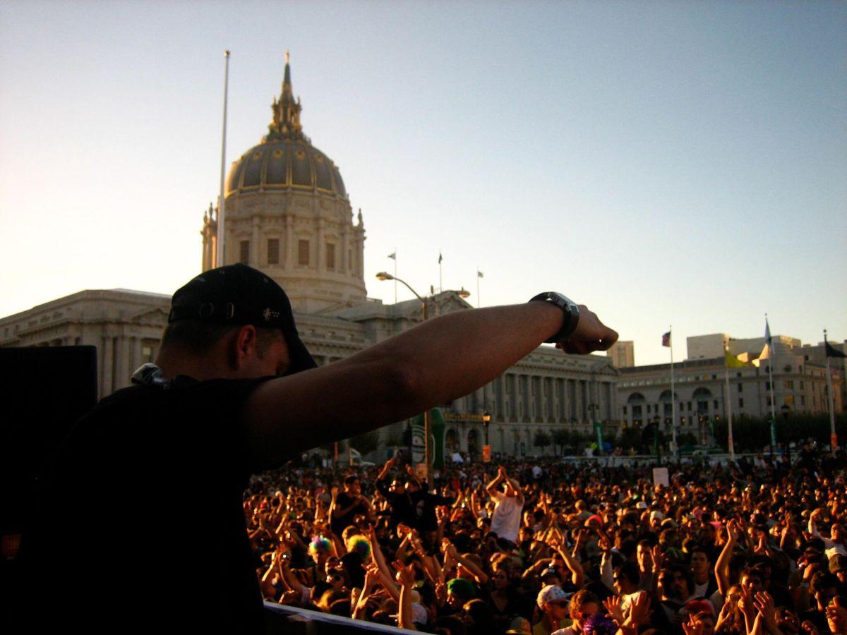 DJ DAN 4.JPG