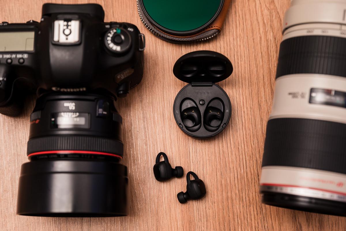 xFyro ARIA Earbuds Camera