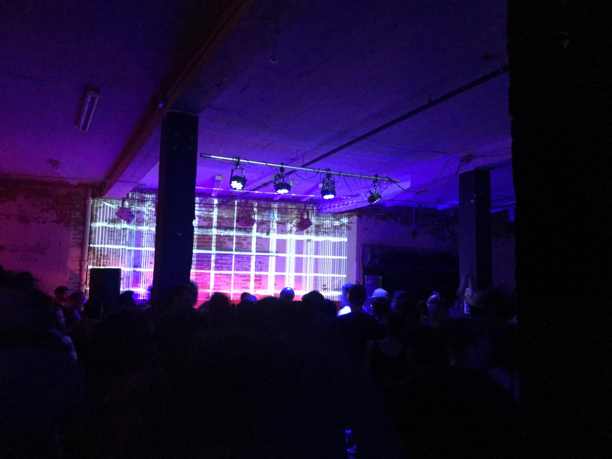 Helena Hauff laying it down at the the Durham Fruit Company