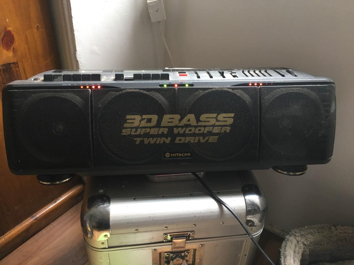 Q 8 90 s Ghetto Blaster