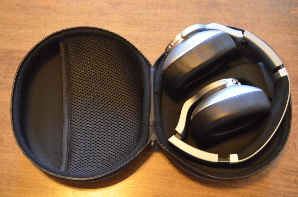 AKG NC700 Headphones