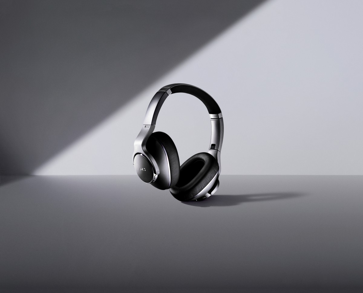 Samsung AKG N700