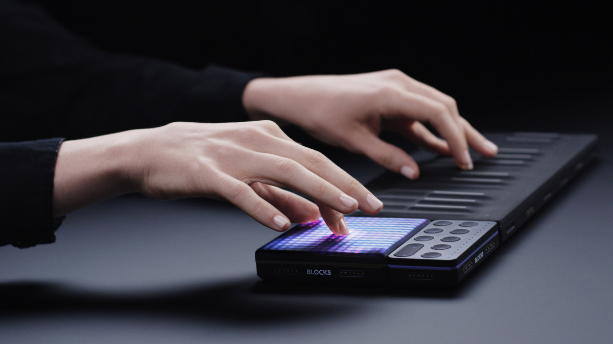 ROLI Lightpad M – Product Dark 01 Low Res