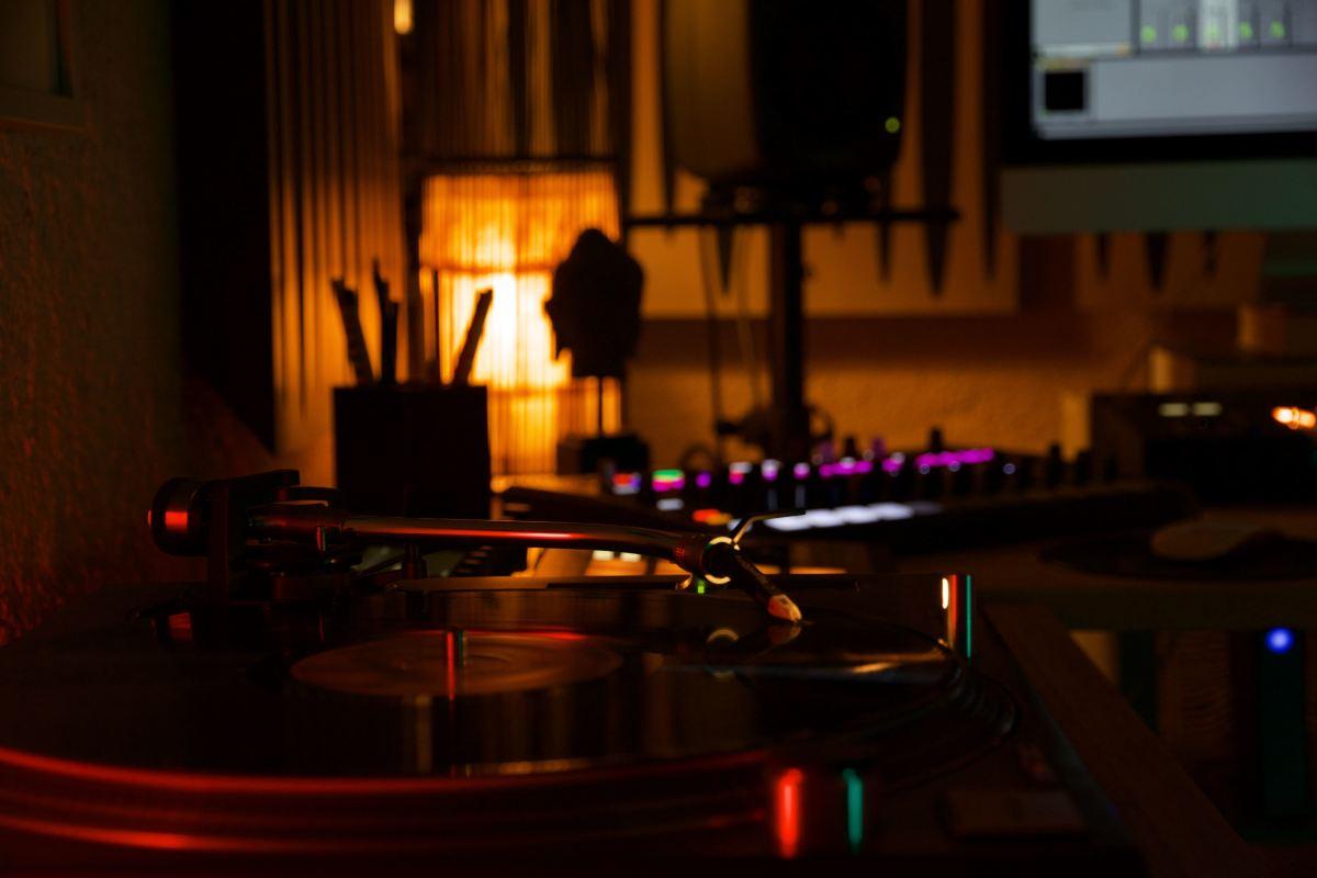Luca Bacchetti Studio Vinyl Record Player