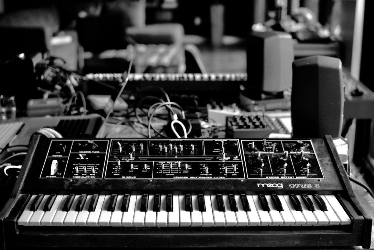 Moog Opus 3 Synth