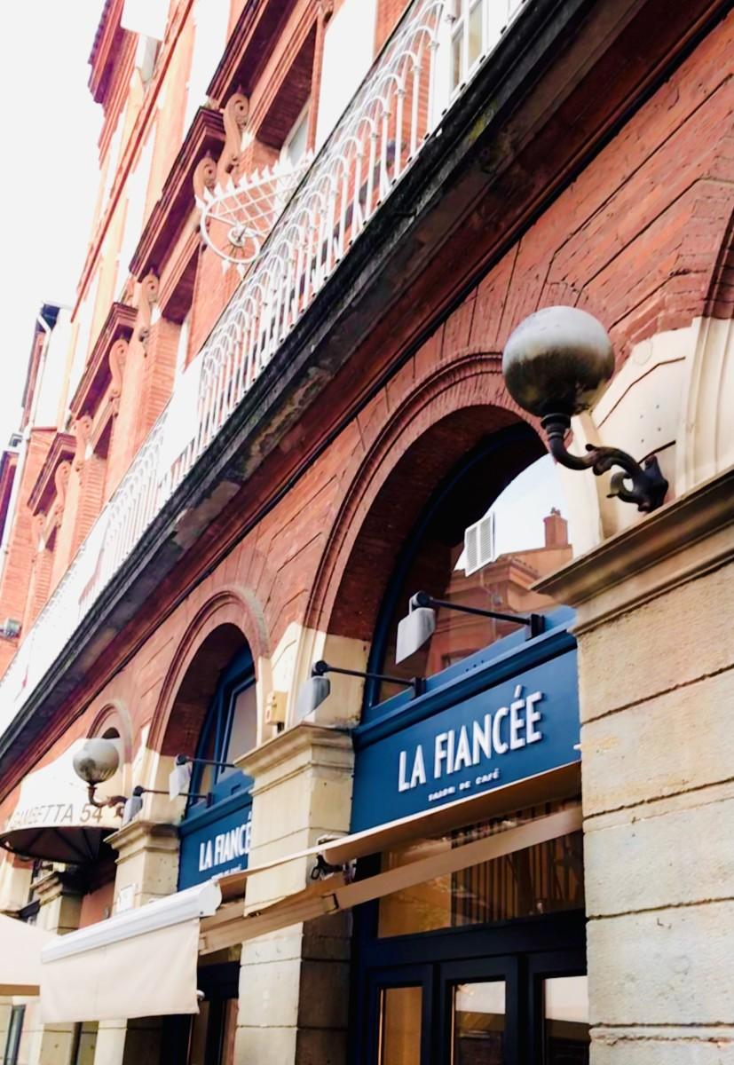 LA FIANCEE PHOTO REDEYES