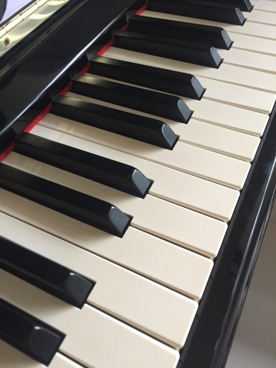 Willaris K Piano