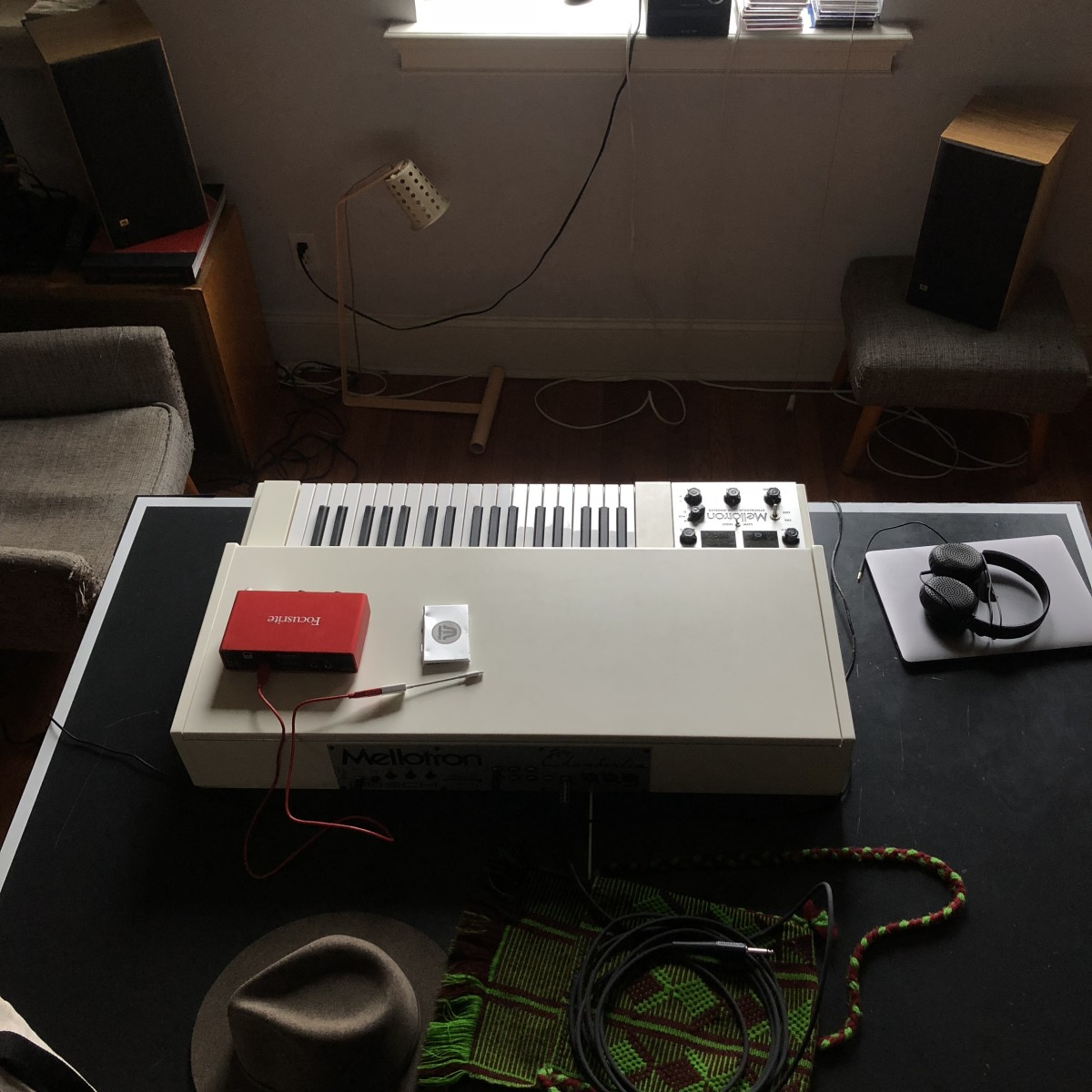 Mellotron M4000D with Pre-Amp