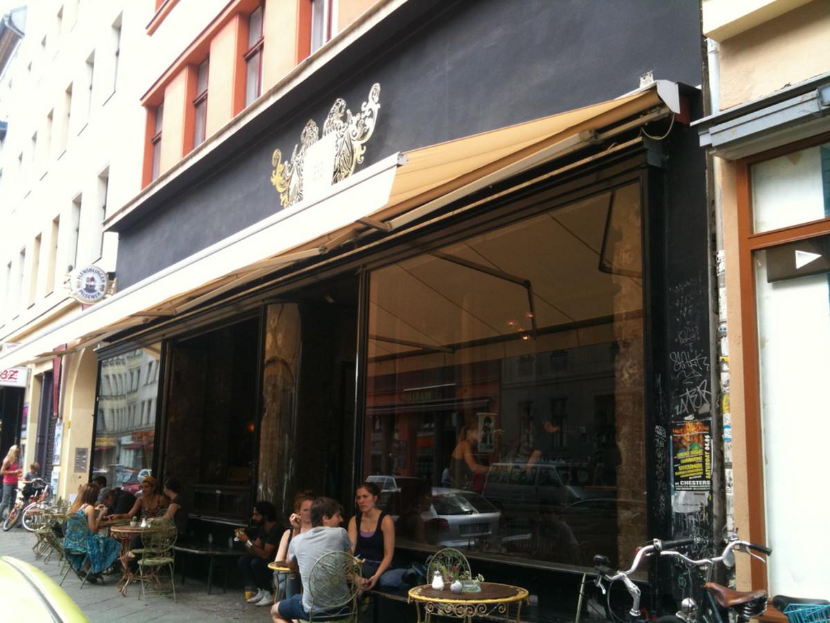 1_ lucia bar berlin